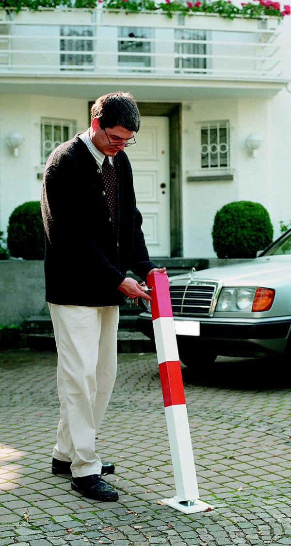Poller-Pfosten-umklappbar-Parkplatz-Absperrung-sperren